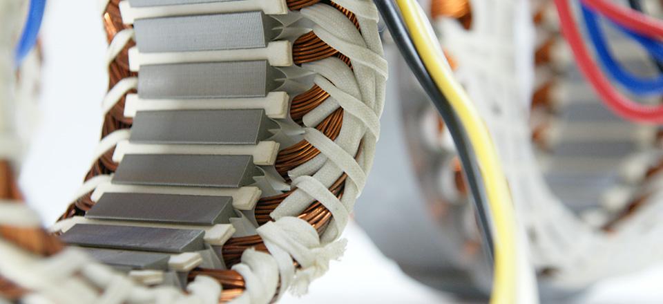 モータや発電機の重要機能部品である固定子(ステータ)の巻線です。 石田... 誘導電動機/発電機